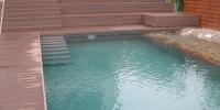 deckin a schody do bazena