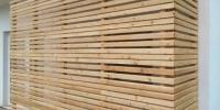 Atypická drevenná zástena materiál ( S.Smrekovec profil Rhombus )