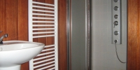 Obklad-kúpelňe-materiál-Meranti-
