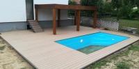 Deckingová terasa bazéna materiál ( WPC Teak Forest )
