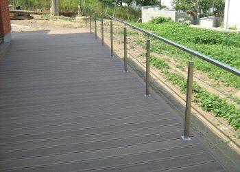 Deckingová terasa materiál ( Ideck WPC farba dark brown , zábradlie nerez )