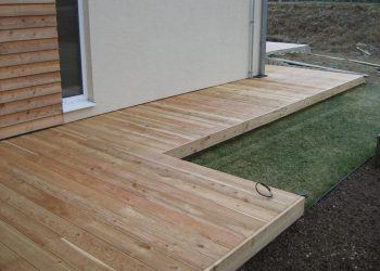 Deckingová terasa materiál ( Sibírski smrekovec )