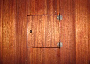 Detail poistkovej skriňe materiál ( Meranti )