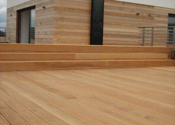 Drevenná terasa zo schodiskom a obkladom materiál ( Garapa , Céder )