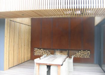 Drtail obkladu stropu a zásteny letnéj kuchyňe