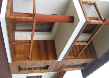 Fasádny obklad materiál ( Céder ) decking balkóna materiál ( Cumaru iclip smooth ) zábradlie materiál ( Céder,nerez )