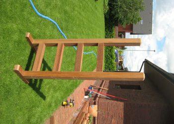 Rebrík do bazéna materiál ( Bangkirai )
